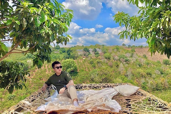 Giường lưới giữa đồi: Địa điểm sống ảo mới ở Đà Lạt 2020