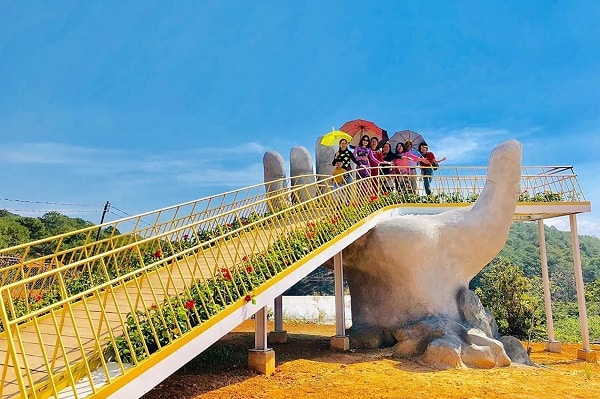 Dalat Golden Bridge: A new virtual living place in Da Lat 2021