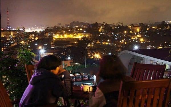 Quán cà phê Dalat Nights có view siêu đẹp
