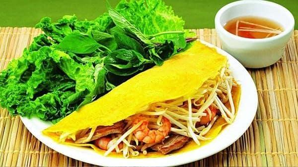 Quán ăn vặt bánh xèo cô Bình ở Đà Lạt