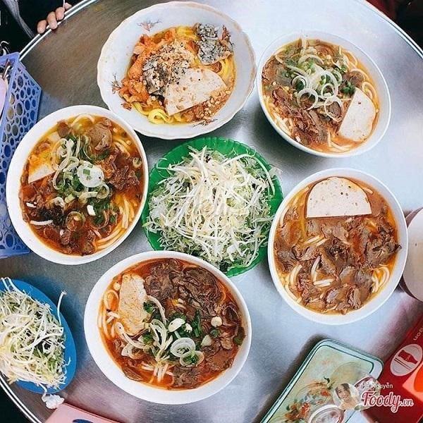 Quán ăn vặt Bánh Canh – Mì Quảng – Bún Bò Xuân An ở Đà Lạt