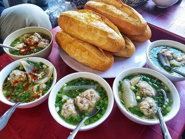 Quán Ăn trưa Bánh mì xíu mại 04 Trần Nhật Duật ở Đà Lạt