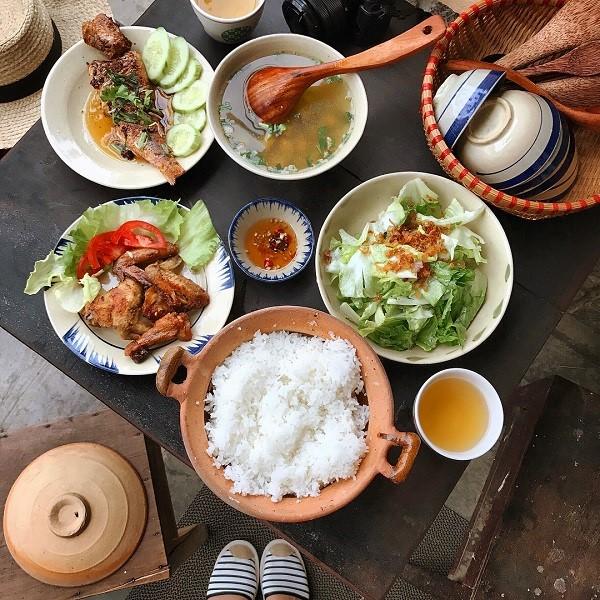 Cửa Hàng Ăn Uống Mậu Dịch