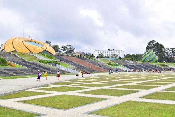 Quảng trường Lâm Viên hoàn toàn miễn phí cho du khách checkin thả ga