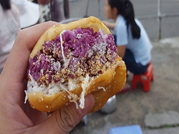 Thưởng thức xôi bánh tiêu (xôi tiêu) tại Đà Lạt