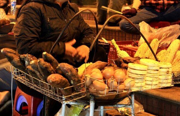 Các loại bánh được bán tại chợ Đà Lạt