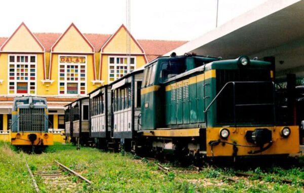Các chuyến tàu rời ga Đà Lạt