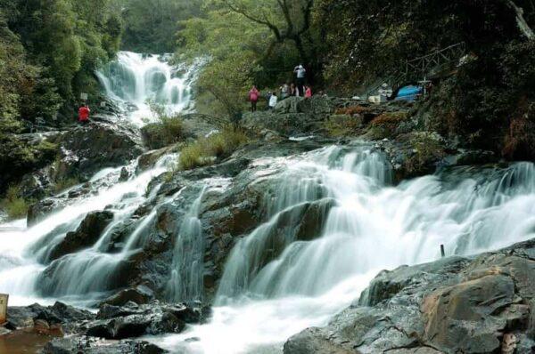 Những câu chuyện về thác Datanla được kể qua nhiều thế hệ - Ảnh 3