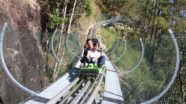 Trò chơi máng trượt cho cặp đôi khi đến thác Datanla