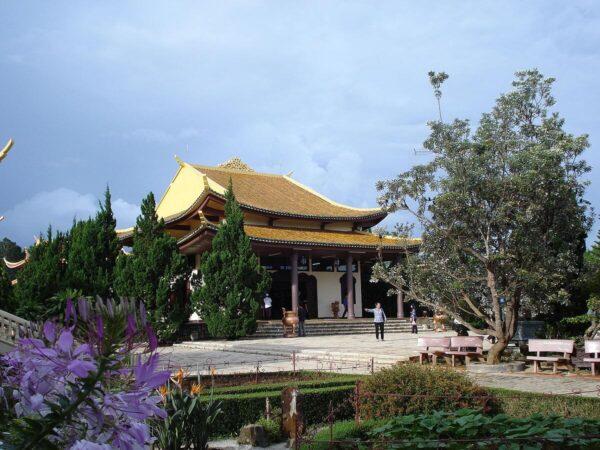 Thiền viện Trúc Lâm gần địa điểm dinh Bảo Đại
