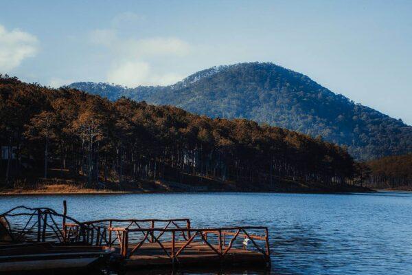 Hồ Tuyền Lâm gần địa điểm dinh Bảo Đại