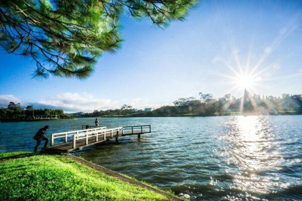 Một hồ Xuân Hương thơ mộng giữa đất trời