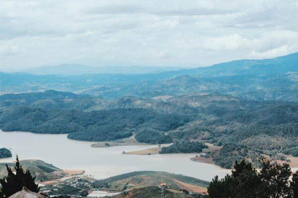 Điểm du lịch Suối Vàng & Suối Bạc gần Tuyệt Tình Cốc