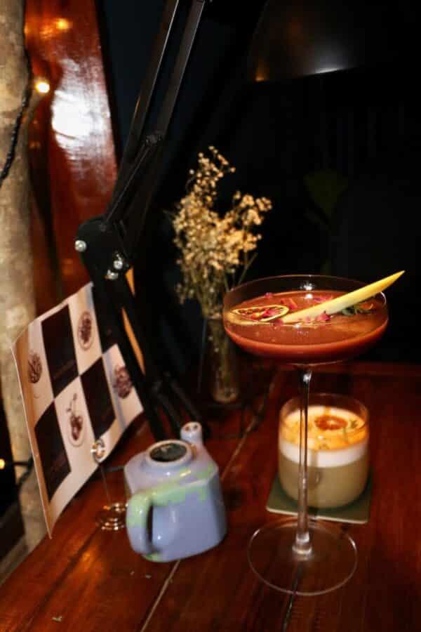 Tìm đến Fox's Den để thưởng thức những ly cocktail được pha chế vô cùng điệu nghệ