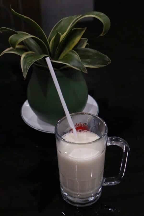 Sưởi ấm cơ thể vào cuối ngày với một ly sữa nóng