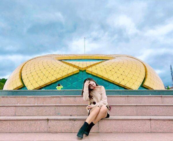 Hoa Dã Quỳ nằm giữa quảng trường: Điểm du lịch Đà Lạt tháng 3