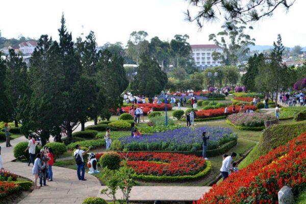 Vườn hoa thành phố, địa điểm tham quan không thể bỏ lỡ