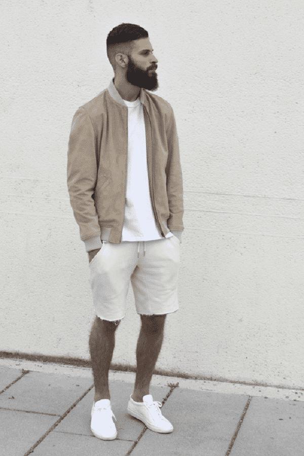 Áo thun tay dài, quần short và vest mỏng