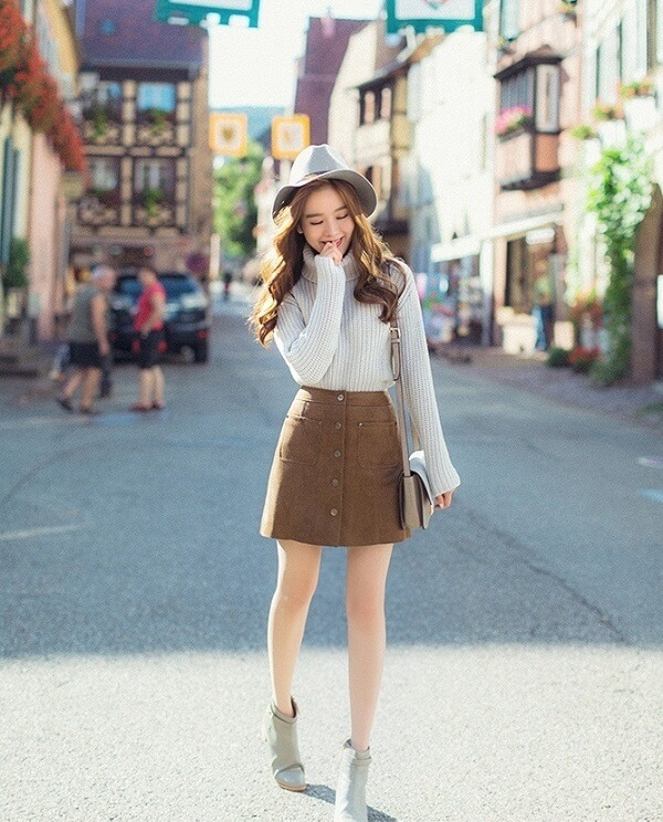 Chân váy, áo Len và áo thun