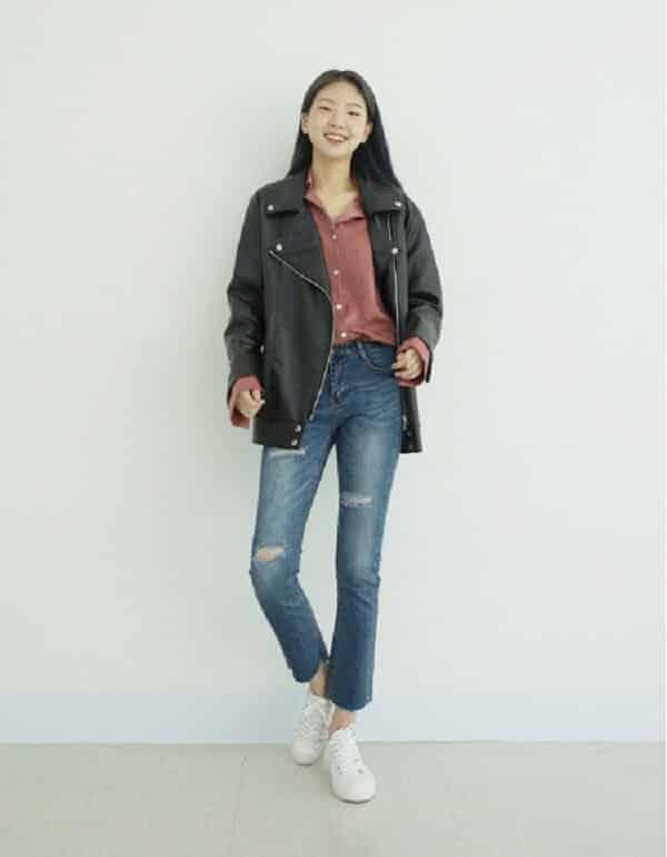 Quần jeans, áo sơ mi và áo khoác da