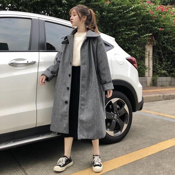 Áo khoác dài và chân váy