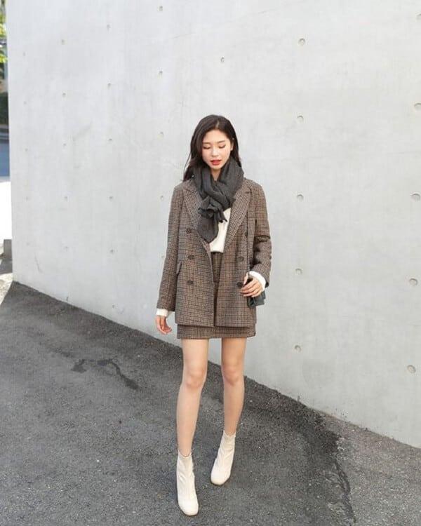 Áo Len, chân váy và áo blazer