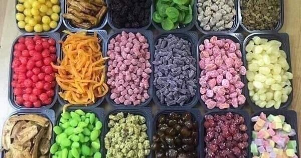 Mứt và các loại hoa quả sấy