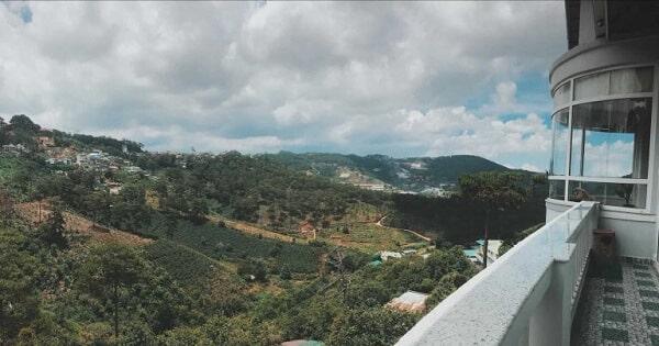 View đồi lãng mạn nhìn từ Tom's Valley