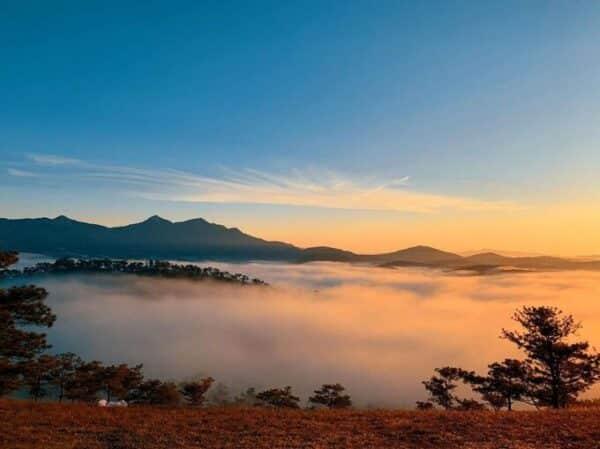 Săn mây trên đồi Đa Phú Đà Lạt