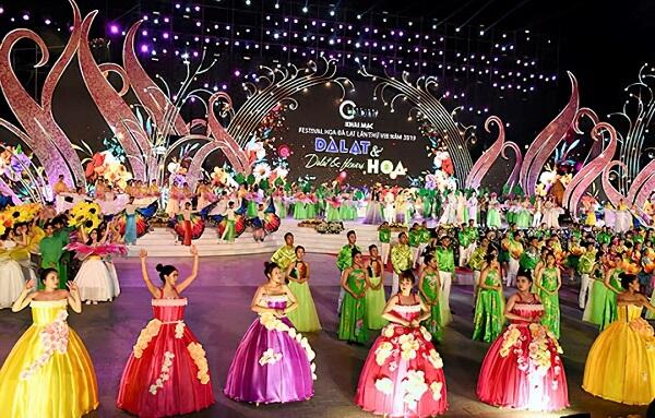 """Festival Đà Lạt lần thứ VIII với chủ đề """"Đà Lạt và Hoa"""" được diễn ra từ ngày 20 đến 24 tháng 12 năm 2019"""