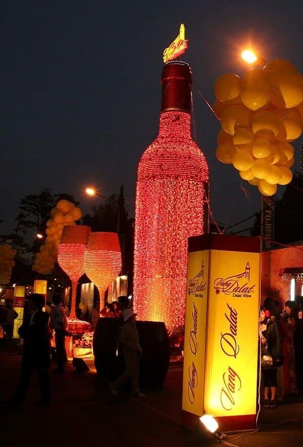 Đêm hội rượu vang là một chương trình đáng mong đợi trong lễ hội Festival Hoa Đà Lạt
