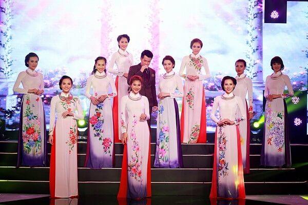 Tuần lễ thời trang áo dài - lụa khá nổi bật trong lễ hội Festival Hoa Đà Lạt