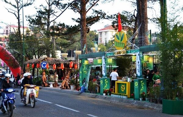 Không gian phố trà - cafe trong lễ hội Festival Hoa Đà Lạt