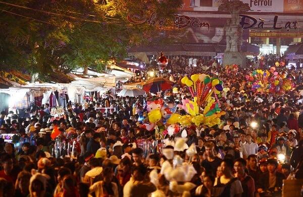 Festival Hoa Đà Lạt thu hút sự quan tâm, chú ý của đông đảo khách du lịch gần xa tìm đến