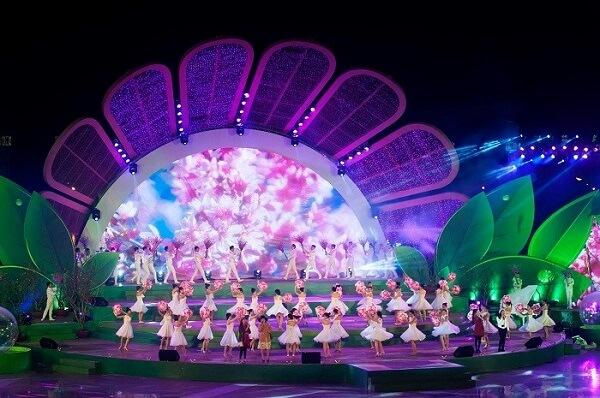 Chương trình ca múa hát chào mừng lễ hội Festival Hoa Đà Lạt