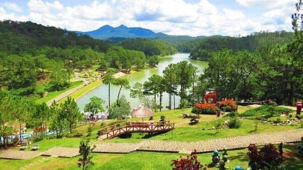 Thung Lũng Tình Yêu là những địa danh nổi tiếng ở Đà Lạt