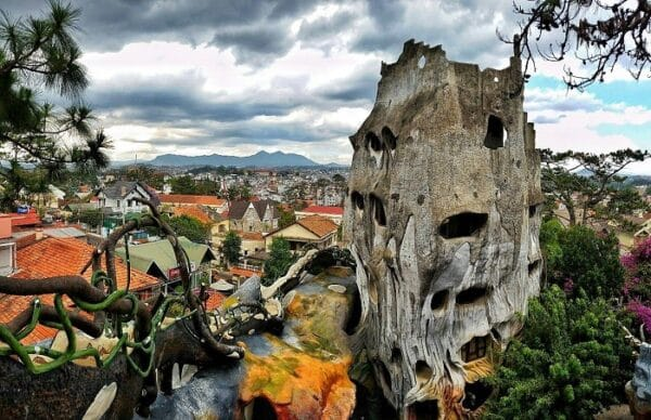 Ngôi nhà quái dị ở Đà Lạt
